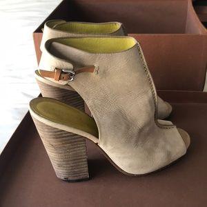 Saratoga unbuck leather, mink grey/ natural